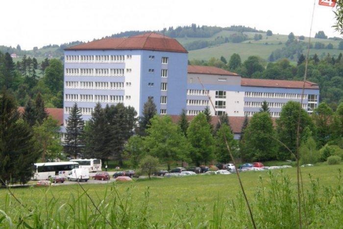 Ilustračný obrázok k článku Breznianska nemocnica získala od darcu dva život zachraňujúce prístroje