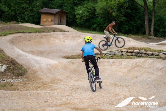 Ilustračný obrázok k článku V Mýte pod Ďumbierom otvorili nový a jediný bike park na Horehroní, FOTO