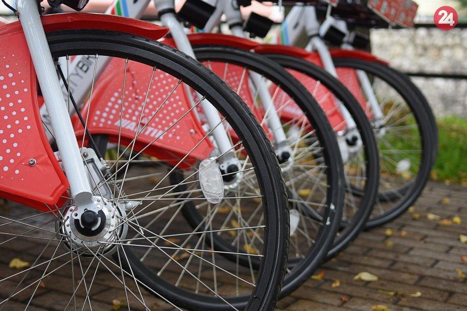 Ilustračný obrázok k článku Do popradských ulíc sa vracajú zdieľané bicykle: Aké sú ceny?