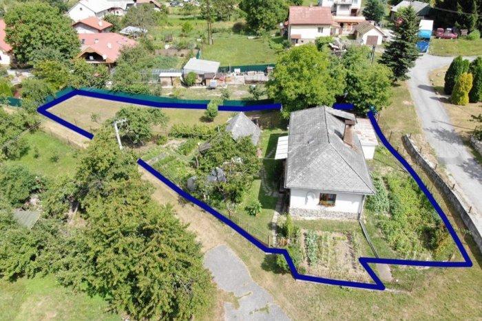 Ilustračný obrázok k článku Rodinný dom so záhradou neďaleko Žiaru na predaj: Cena vás zaujme