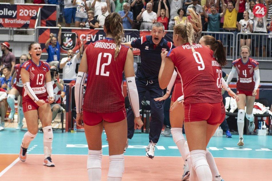Ilustračný obrázok k článku Volejbalistky s historickým úspechom: Otočili zápas proti Bielorusku, osemfinále majú isté