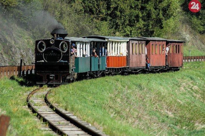 Ilustračný obrázok k článku Historické vlaky Čiernohronskej železnice privítajú prvých návštevníkov