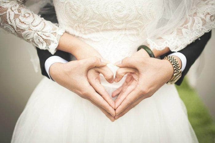 Ilustračný obrázok k článku Buďte TRENDY nevestou: Oslňte hostí, aj keby ich malo byť na svadbe len zopár