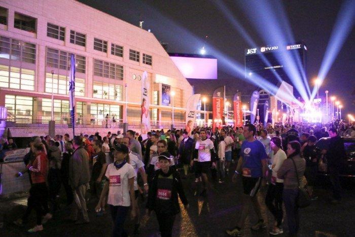 Ilustračný obrázok k článku Bratislavské ulice zaplnia tisícky bežcov: Uskutoční sa 11. ročník najväčšieho nočného behu na Slovensku