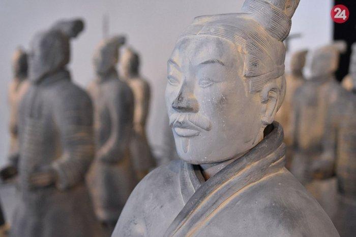 Ilustračný obrázok k článku Kúsok Číny v Lučenci: V synagóge vystavia vojakov terakotovej armády