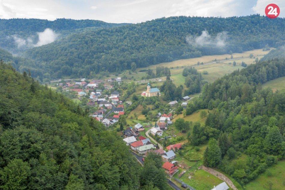 Ilustračný obrázok k článku Starosta najkrajšej dediny Revúckeho okresu: Ľudia sú na svoju obec pyšní a denne ju skrášľujú