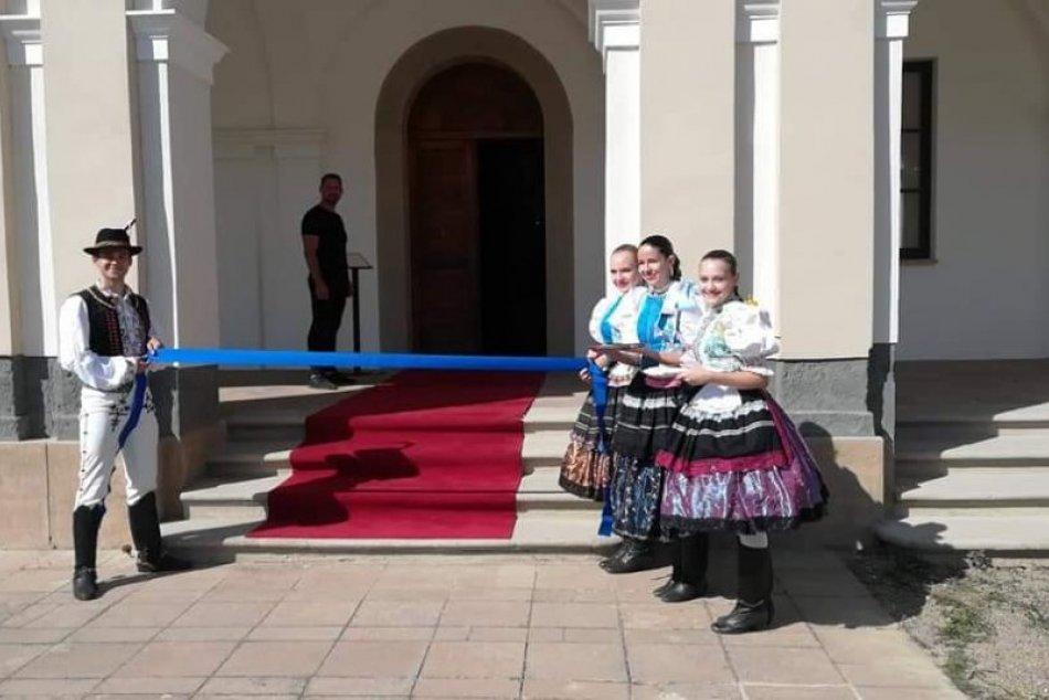 Ilustračný obrázok k článku Múzeum v Michalovciach privítalo množstvo ľudí: Slávnostné otvorenie na fotkách
