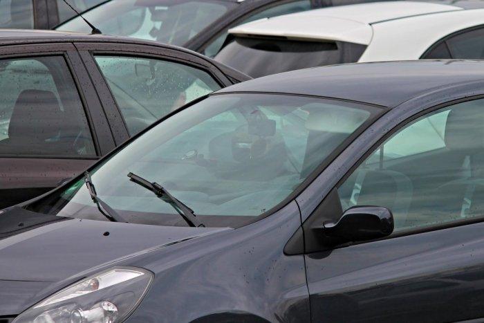 Ilustračný obrázok k článku Nedajte sa napáliť: Pred kúpou ojazdeného vozidla si overte jeho exekučnú blokáciu