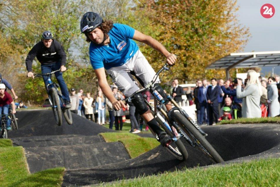 Ilustračný obrázok k článku Skvelá správa pre cyklistov: Nové Zámky plánujú vybudovať pumptrackovú dráhu