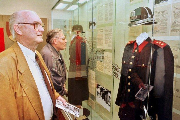 Ilustračný obrázok k článku Novinka v Tribečskom múzeu: Výstava predstavuje históriu policajných zložiek