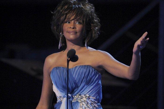 Ilustračný obrázok k článku Osobnosť Whitney Houston pripomenie špeciálne turné: Uvidíme ho aj v Bratislave