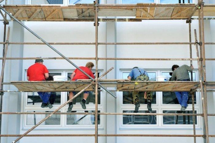 Ilustračný obrázok k článku V našom kraji budú vzdelávať budúce šičky a stavebných robotníkov
