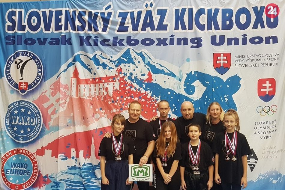 Ilustračný obrázok k článku Revúcki kickboxeri žali úspechy: 2 zlaté a k tomu 10 ďalších medailí, FOTO