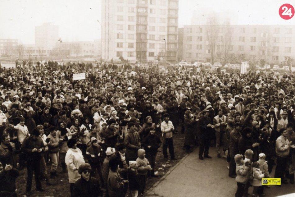 Ilustračný obrázok k článku Novembrové udalosti v Šali: Ako o Nežnej revolúcii písala dobová tlač? FOTO