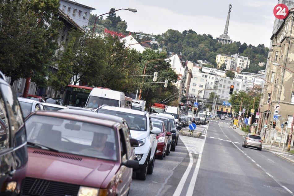 Ilustračný obrázok k článku Denne dýchame v Bratislave vzduch, ktorý nám škodí. Najviac trpia deti a seniori