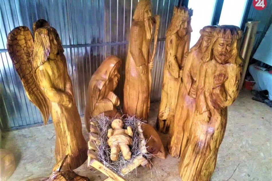Ilustračný obrázok k článku Novinka tohtoročných Vianoc: Považská bude mať vyrezávaný betlehem, FOTO
