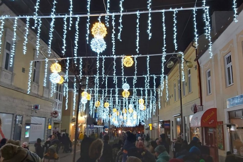 Ilustračný obrázok k článku Vianočný jarmok, adventný večer a známy revival: TOP udalosti na víkend v Poprade