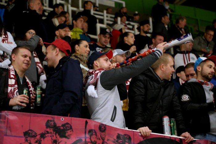 Ilustračný obrázok k článku Plné tribúny i autobusy: Žiarski indiáni majú fanklub, aký by chcel každý tím, FOTO