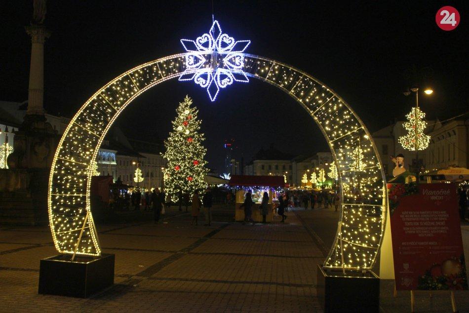 Ilustračný obrázok k článku Prvé INFO o Vianociach v Bystrici: Dočkáme sa trhov či ohňostrojov na prelome rokov?