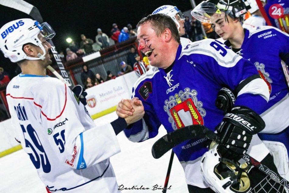 Ilustračný obrázok k článku Šaľa žila hokejom: Pred ROKOM do mesta zavítali hráči HK Nitra, FOTO