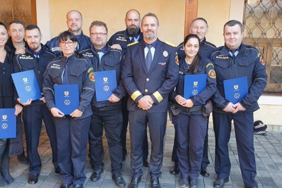 Ilustračný obrázok k článku Mestská polícia vo Zvolene hodnotila rok 2019. Týmto mužom a ženám sa ušlo ocenenie