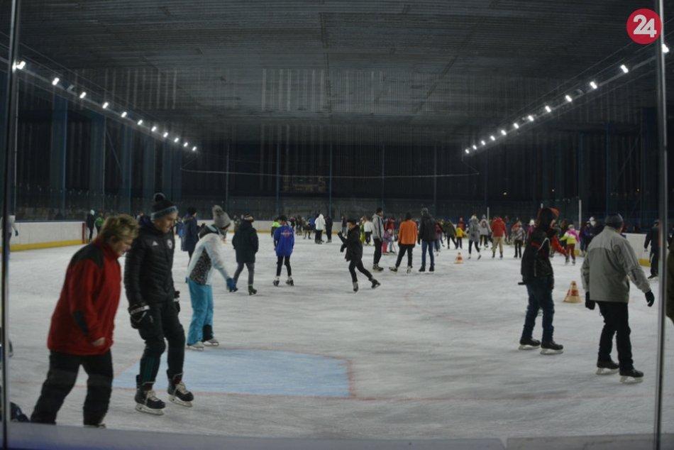 Ilustračný obrázok k článku Termíny, ktoré sa oplatí zapísať: Takto prebieha korčuľovanie pre verejnosť na klzisku