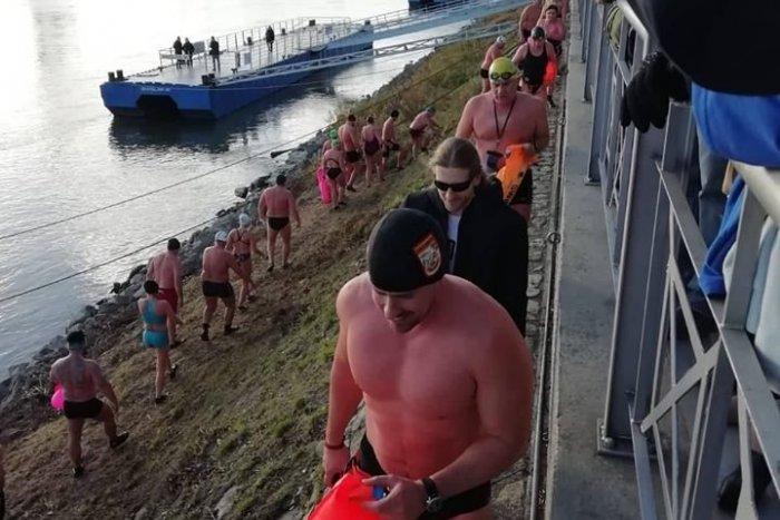 Ilustračný obrázok k článku Nebojte sa! Plávanie v Dunaji otužilcom neškodí