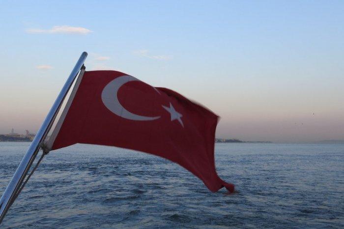 Ilustračný obrázok k článku Cestovanie s deťmi do obľúbeného Turecka: Rodičia, kedy musíte mať PCR test?
