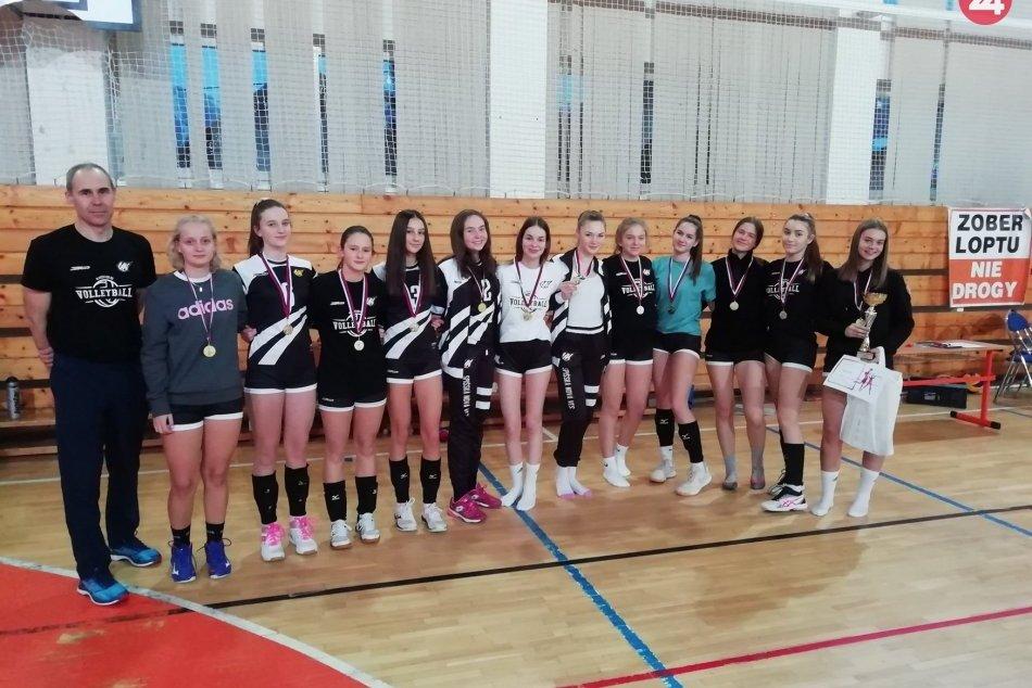 Ilustračný obrázok k článku Úspešný začiatok roka: Mladé novoveské volejbalistky sa stali víťazkami turnaja