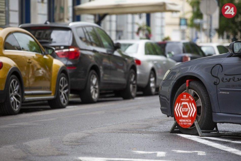 Ilustračný obrázok k článku V zóne Tehelné pole sa parkovanie sa predraží: Rezidenti budú mať výhody