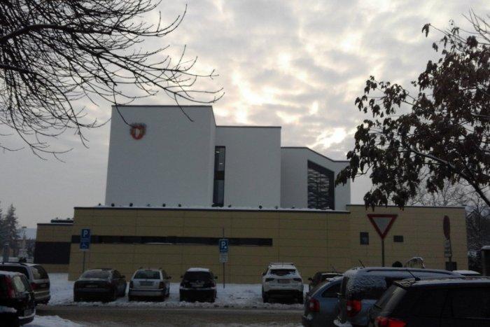 Ilustračný obrázok k článku Mestský úrad opäť mení hodiny pre verejnosť: Ako bude otvorený?