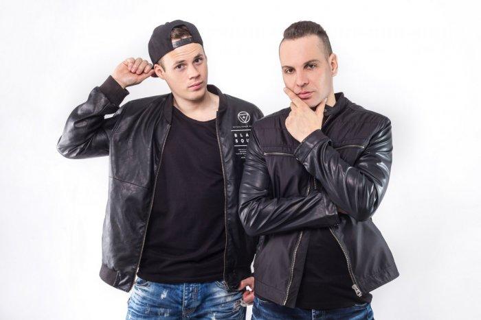 Ilustračný obrázok k článku Martinčania Drozďo & Demex opäť bodujú! Ich novinka je medzi naj tanečnými skladbami roka