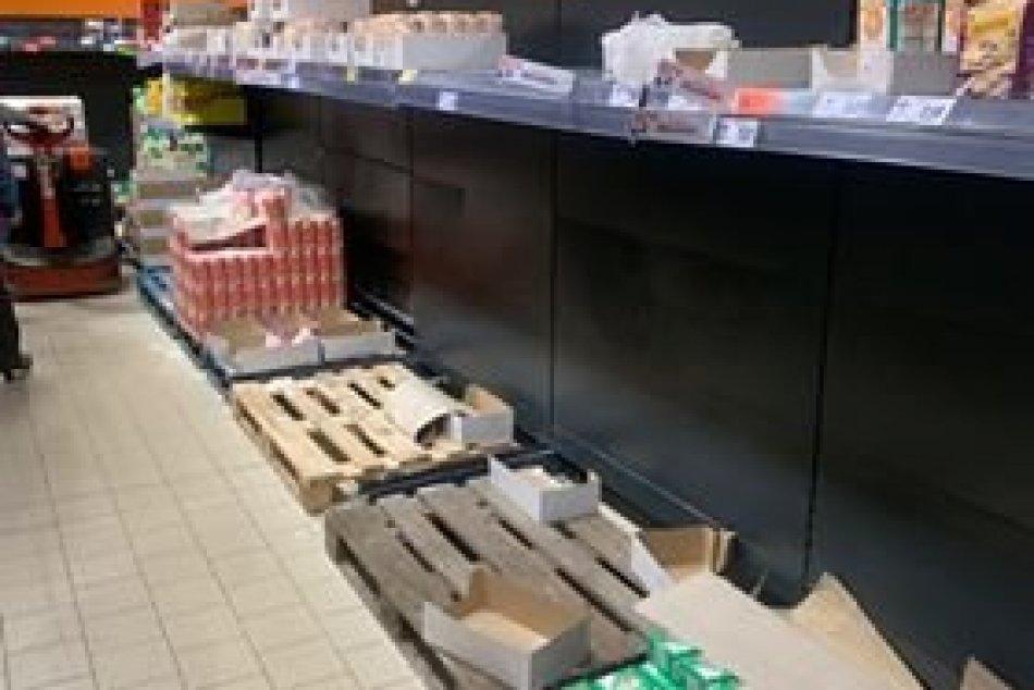 Ilustračný obrázok k článku Ľudia, nebláznite! Vykupujú Bratislavčania potraviny zo strachu pred Koronavírusom?