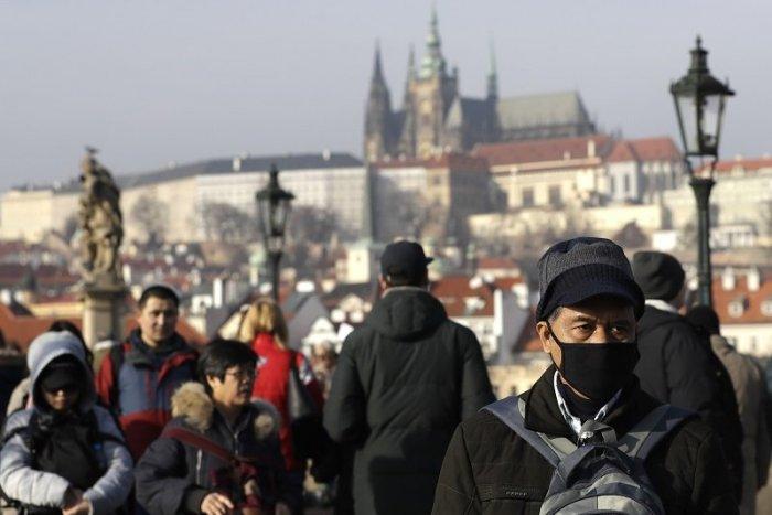 Ilustračný obrázok k článku Česko je na nohách: 91 osôb infikovaných koronavírusom, 10 ľudí nakazil pražský taxikár
