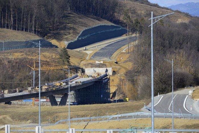 Ilustračný obrázok k článku Otvorenie južného obchvatu Prešova má meškanie: Minister Doležal vysvetlil dôvod