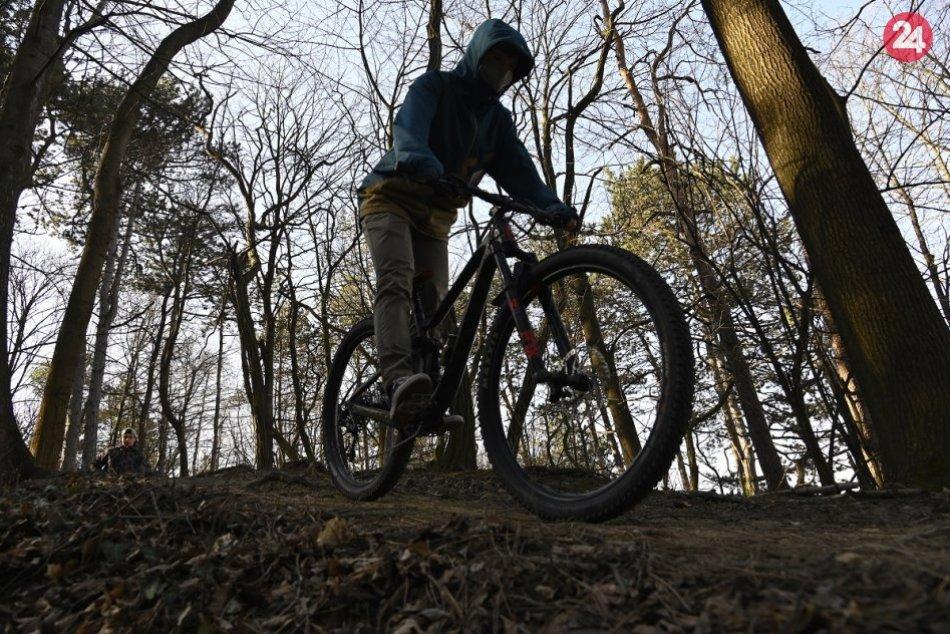 Ilustračný obrázok k článku Nadávky a agresia. Cyklisti v lesoparku si často myslia, že sú tam pánmi