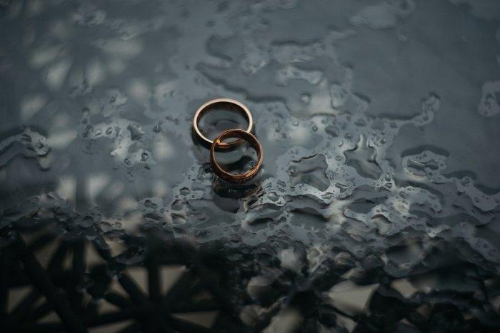 Ilustračný obrázok k článku Rozvody sa nekonajú! Môže za to koronavírus a karanténa