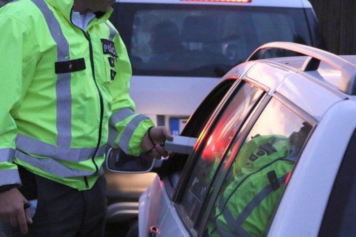 Ilustračný obrázok k článku Vodič mal zakázané šoférovať, pri kontrole ešte aj nafúkal