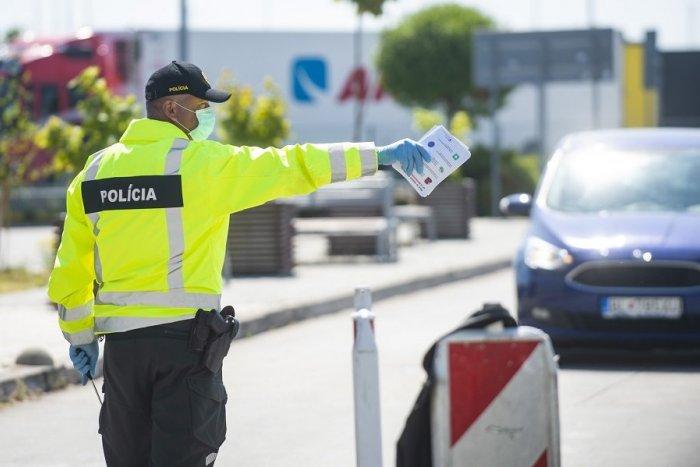 Ilustračný obrázok k článku Dôležité info pre pendlerov: Polícia ich na hraniciach kontrolovať NEBUDE