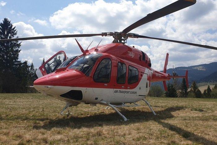 Ilustračný obrázok k článku Tragická nehoda pri Rožňave: Jeden človek neprežil, ďalšieho transportoval vrtuľník