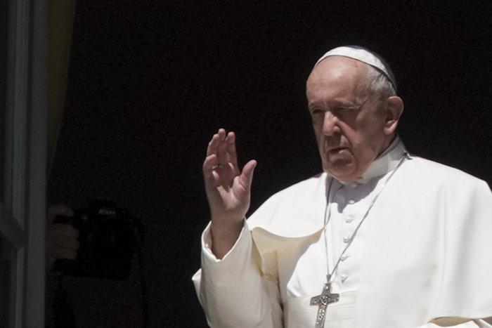 Ilustračný obrázok k článku SVET O SLOVENSKU: Pápež obdaroval transsexuálne prostitútky