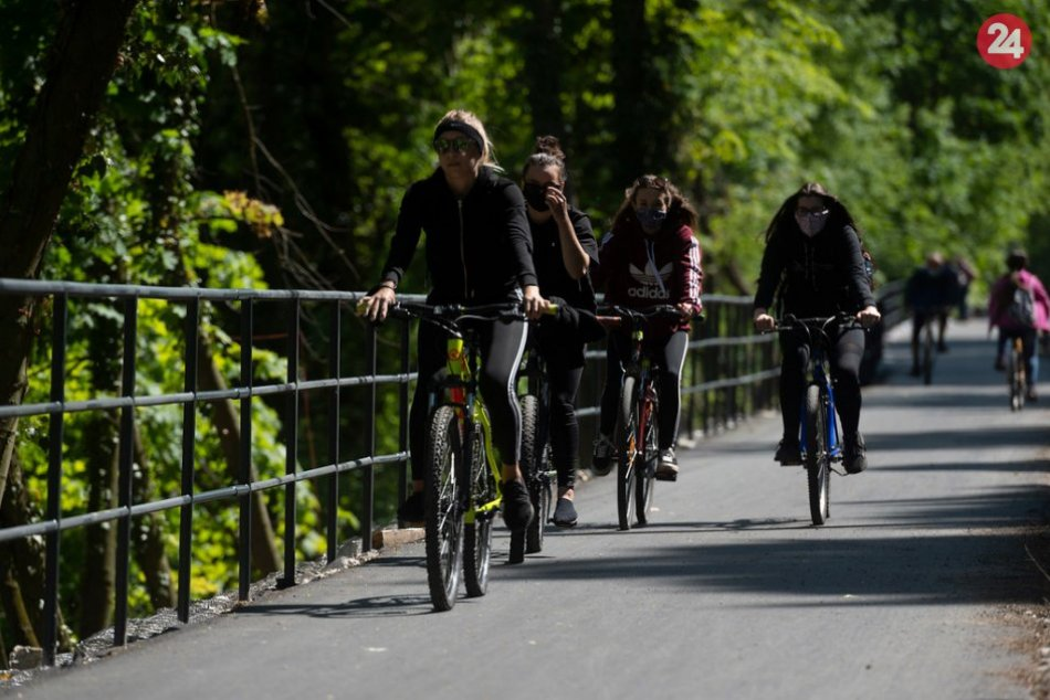 Ilustračný obrázok k článku Tisíce cyklistov jazdia v okolí Trenčína: Najobľúbenejšia trasa je pod Skalkou