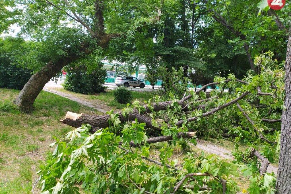 Ilustračný obrázok k článku Na Moravce sa rúti silný vietor: Môže napáchať veľké škody!