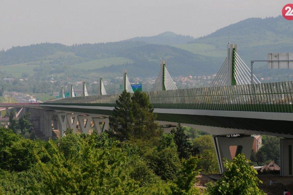 Ilustračný obrázok k článku Šoféri, počítajte s týmto: Diaľnica pri Považskej Bystrici bude mesiac obmedzená