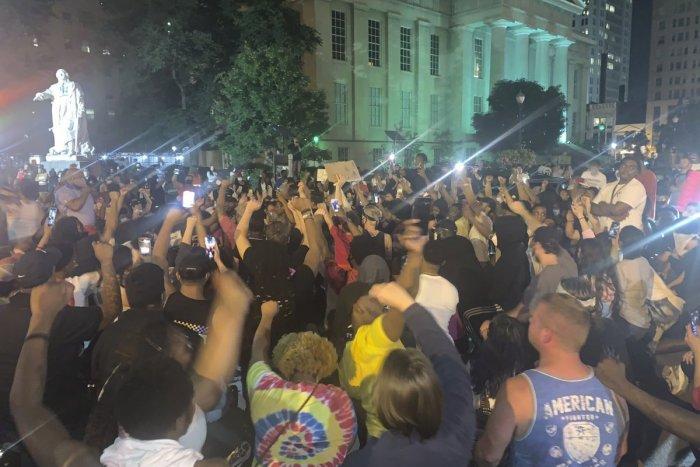 Ilustračný obrázok k článku Vlna protestov v USA proti policajnému násiliu: 7 postrelených civilistov v Louisville!