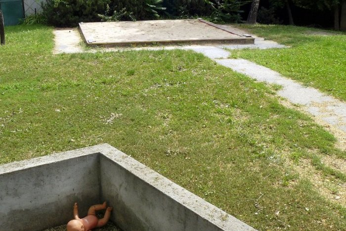 Ilustračný obrázok k článku OTRASNÝ zvrat v prípade zakopanej Lucky: Zabil bábätko vlastný otec?