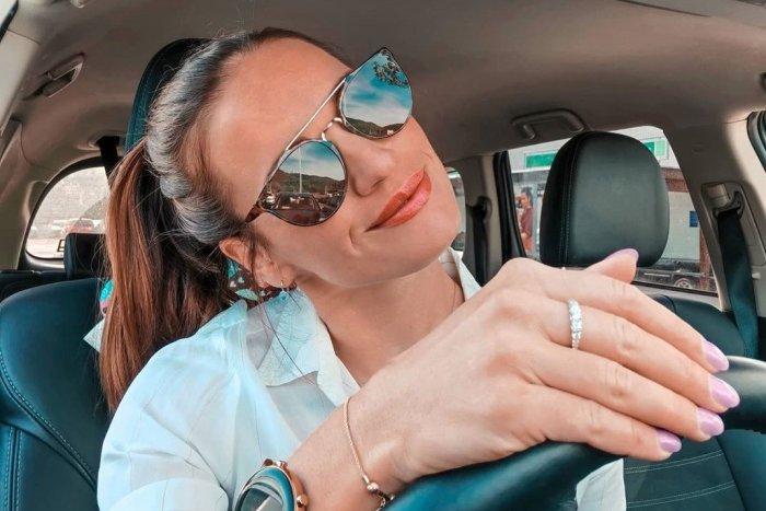 Ilustračný obrázok k článku Biatlonistka Fialková odhodila župan a ukázala postavu po karanténe! FOTO