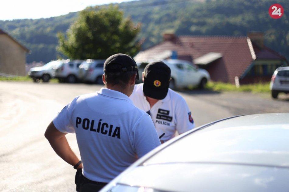 Ilustračný obrázok k článku Bystrickí policajti sa nestačili čudovať: Na diaľnici pri Zvolene bolo 7-ročné dievčatko