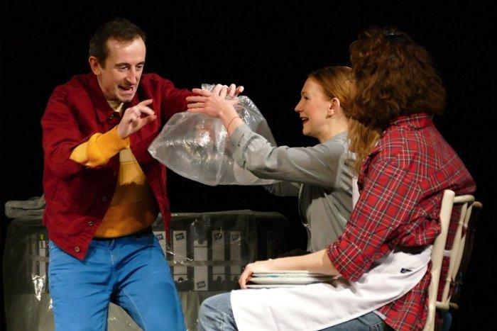 Ilustračný obrázok k článku Divadlá v Žilinskom kraji opäť privítajú návštevníkov: Čakajú nás tieto predstavenia