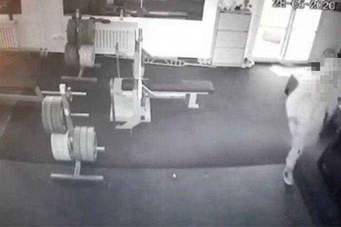 Ilustračný obrázok k článku Mladý Bystričan (21) má vážny problém: Do fitnescentra si nešiel zacvičiť